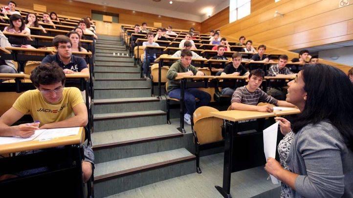 Los universitarios celebran la bajada de tasas pero la consideran insuficiente