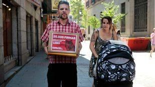 Los padres de Lobo denuncian que su hijo sigue sin tener su nombre registrado