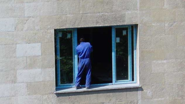 Un trabajador sin sistemas de seguridad