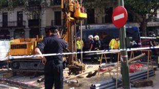 Acordonan el lugar en el que ha fallecido un trabajador en las obras de la L�nea 1 de Metro
