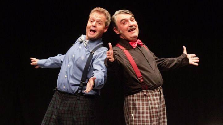 Santiago Nogúes y Adolfo `Pastor protagonizan la obra 'Gilipollas sin fronteras' en el teatro Marquina.