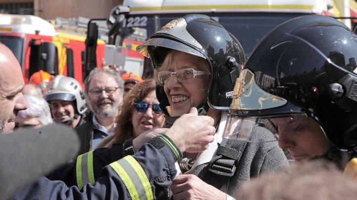 Carmena homejaneará al bombero que evitó el suicidio de una persona en Sol