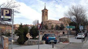 Aparcamiento de la iglesia, en Las Rozas (archivo)