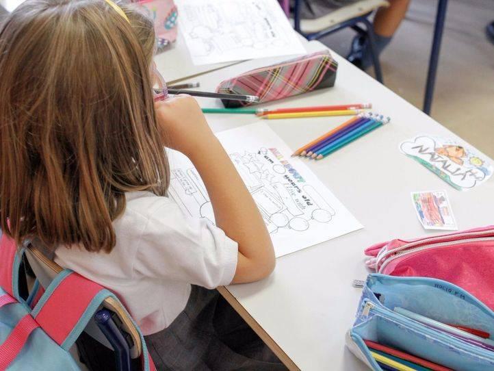 Una alumna en una clase bilingüe (archivo)