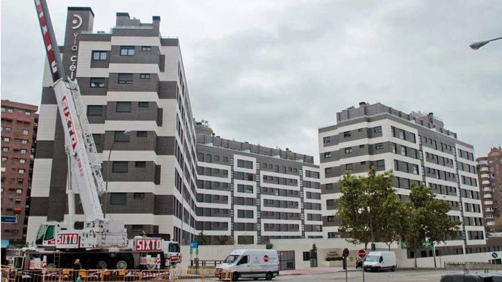Urbanización de pisos construida en la parcela de la antigua estación de autobuses de Autores.