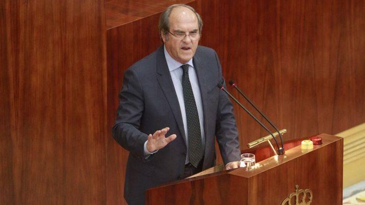 Ángel Gabilondo, portavoz del PSOE, interviene en el debate del estado de la región.