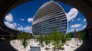 España: el crecimiento sigue más fuerte en las regiones más turísticas, pero sus riesgos también son mayores