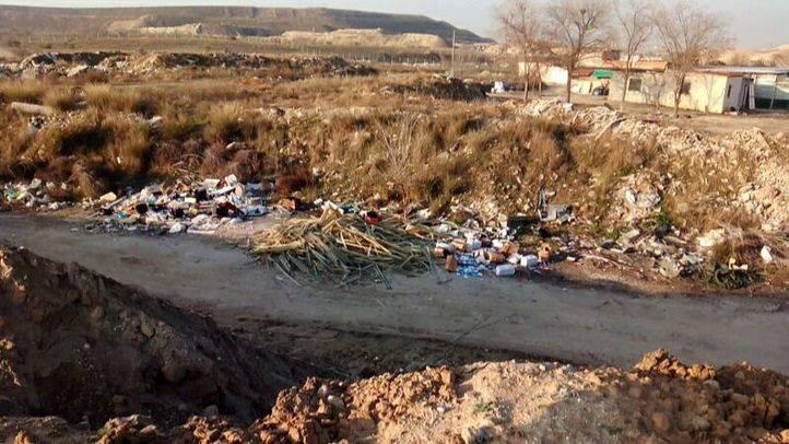 Nuevos vertidos incontrolados en vertederos ilegales de la Cañada Real
