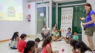 Taller de Ecovidrio en el Centro de inmigrantes de Usera-Villaverde