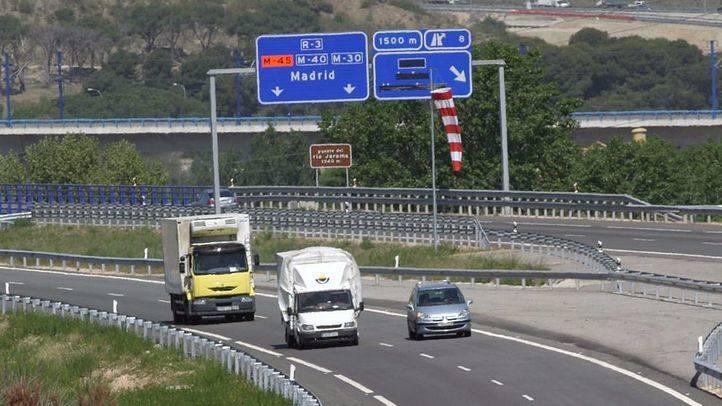 Fomento trabaja 'in extremis' para evitar que las autopistas en quiebra R-3 y R-5 cierren en octubre