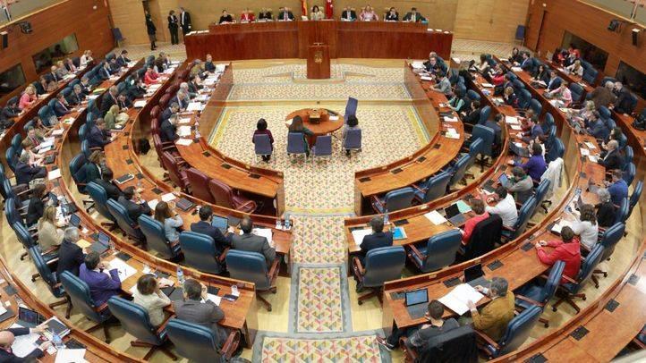 La Asamblea se enzarza en una guerra de cifras sobre la educación
