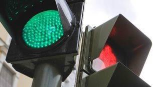 Nueve semáforos 'foto-rojo' más empezarán a multar este lunes