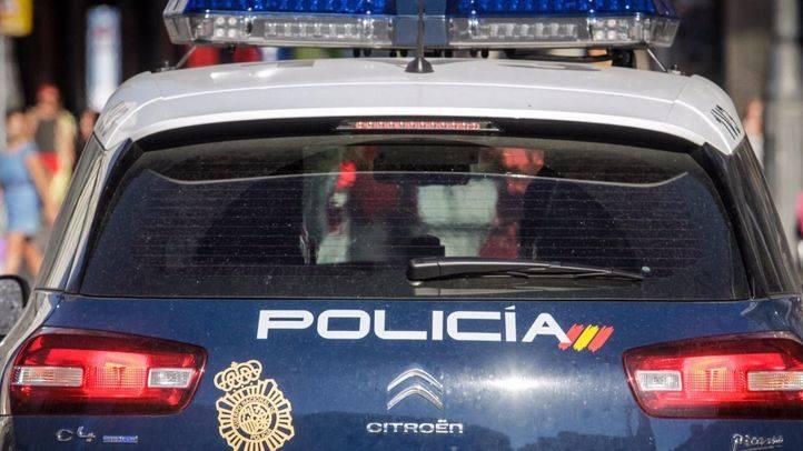 Un polic�a nacional salva la vida a una mujer tras sufrir un accidente de tr�fico