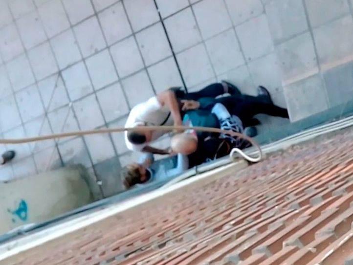 VÍDEO: Atraco en plena calle en San Cristóbal de los Ángeles