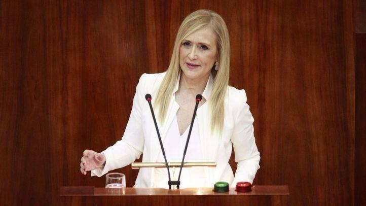 Cifuentes dice que Sánchez 'quiere morir matando' y espera que le paren las 'voces del PSOE con sentido común'