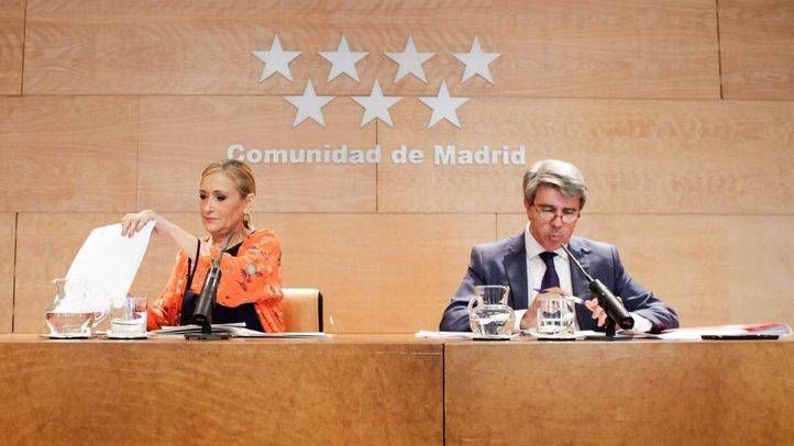 Cristina Cifuentes y �ngel Garrido durante la rueda de prensa posterior al Consejo de gobierno.