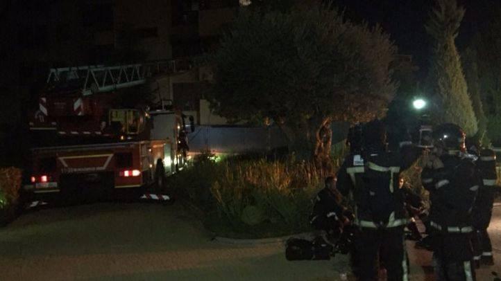 Un incendio destruye una vivienda y deja tres heridos leves en San Sebastián de los Reyes