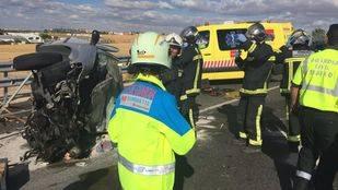 Dos fallecidos en un choque frontal entre un turismo y una furgoneta en Moraleja de Enmedio