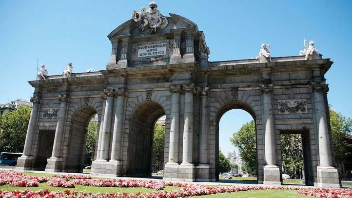 El Ayuntamiento y la Puerta de Alcalá se iluminarán este sábado por el Día Nacional de la Artritis