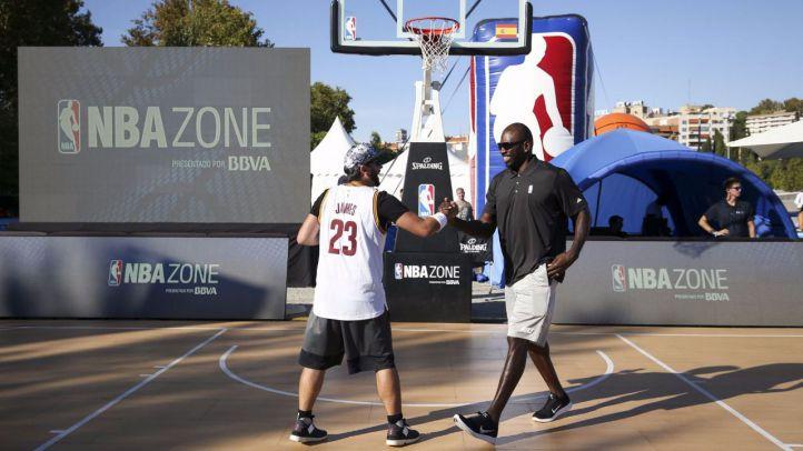 La NBA conquista Madrid Río en la 'NBA Zone presentado por BBVA'