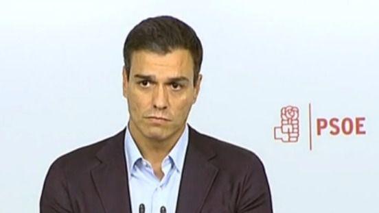 Pedro Sánchez anuncia su dimisión ante la prensa