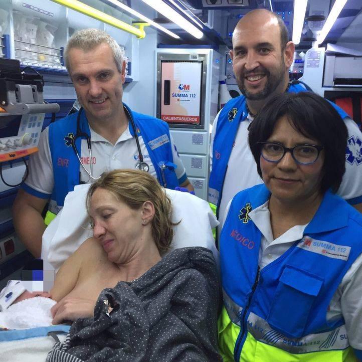 Sanitarios del Summa ayudan a nacer a un bebé en un chalé de Pedrezuela