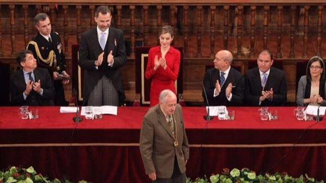 Hacienda bloquea el dinero destinado a los premios nacionales y al Cervantes