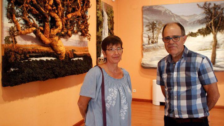 Berit Hals y Pedro Sánchez Villegas, vecinos del distrito Centro, en la sala de exposiciones La Paloma