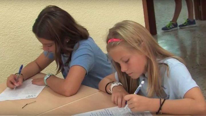 Alumnos estadounidenses de intercambio estudian en Casvi.