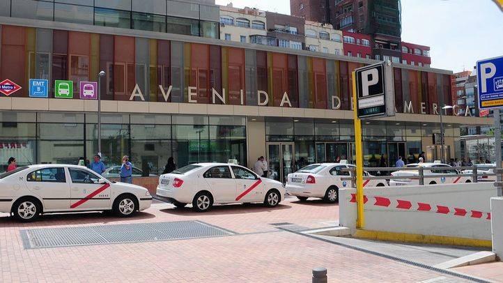 Avda de America (Intercambiador), exterior renovado con parada taxis