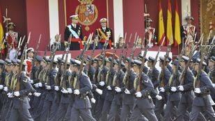 Felipe VI preside el desfile militar del 12 de octubre (archivo)