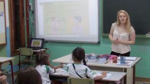 Un apoyo nativo para reforzar el bilingüismo