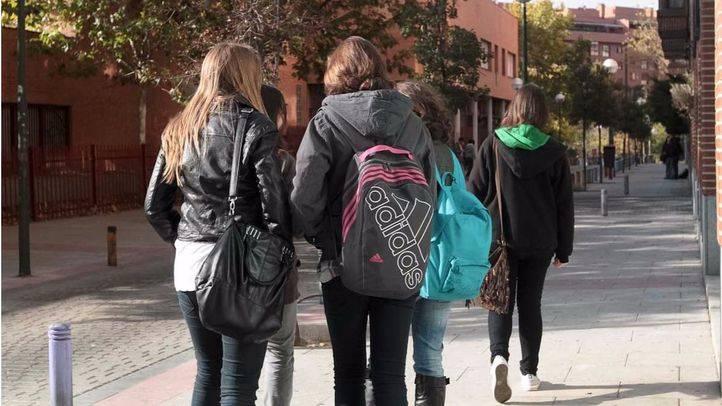 Estudiantes de secundaria y/o bachillerato en el Instituto Juan de la Cierva.