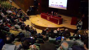 La asamblea política en la Complutense, primer asalto para los 'podemos' que pelean por Madrid