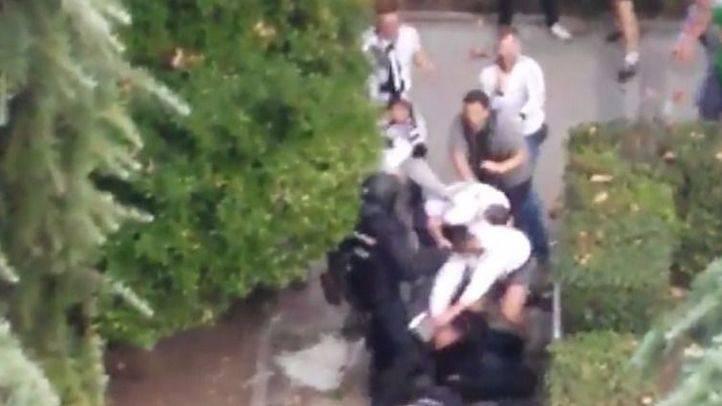 Aficionados del Legia causan altercados graves en los alrededores del Bernabéu