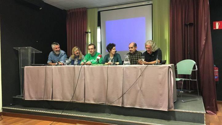 Rueda de prensa sobre la huelga educativa del próximo 26 de octubre contra las reválidas.