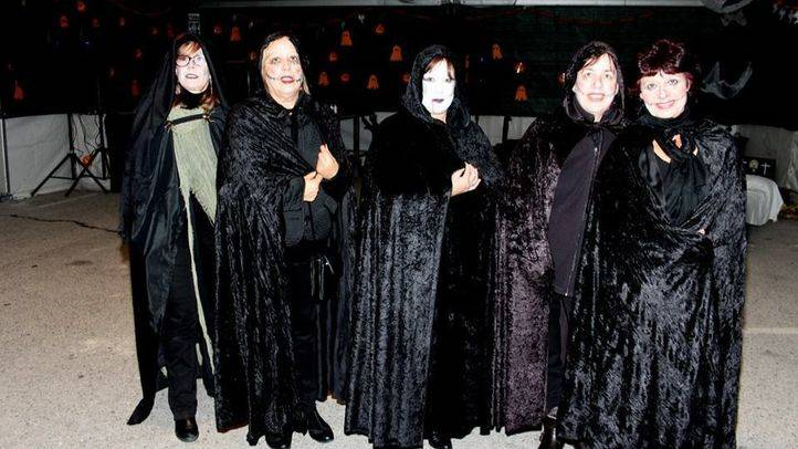 Participantes en la Procesión de las ánimas de El Molar