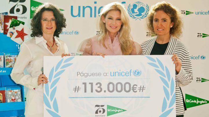El Corte Inglés entrega cheque a Unicef