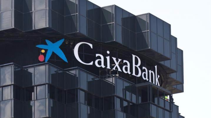 CaixaBank obtiene un beneficio de 970 millones