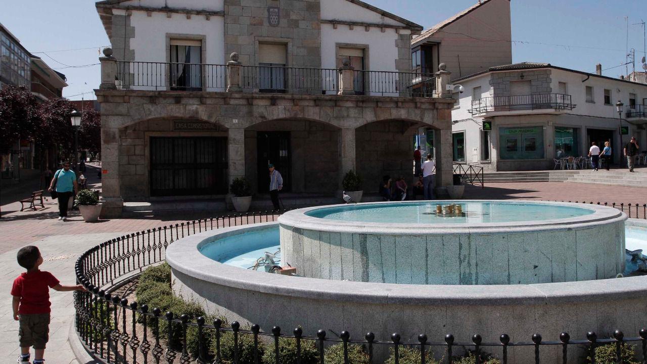Muere una mujer de 90 a os al caer a una piscina vac a en for Piscina galapagar
