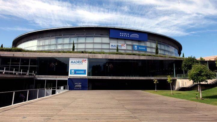 Vigilia de familiares y amigos de dos de las víctimas del Madrid Arena por el cuarto aniversario