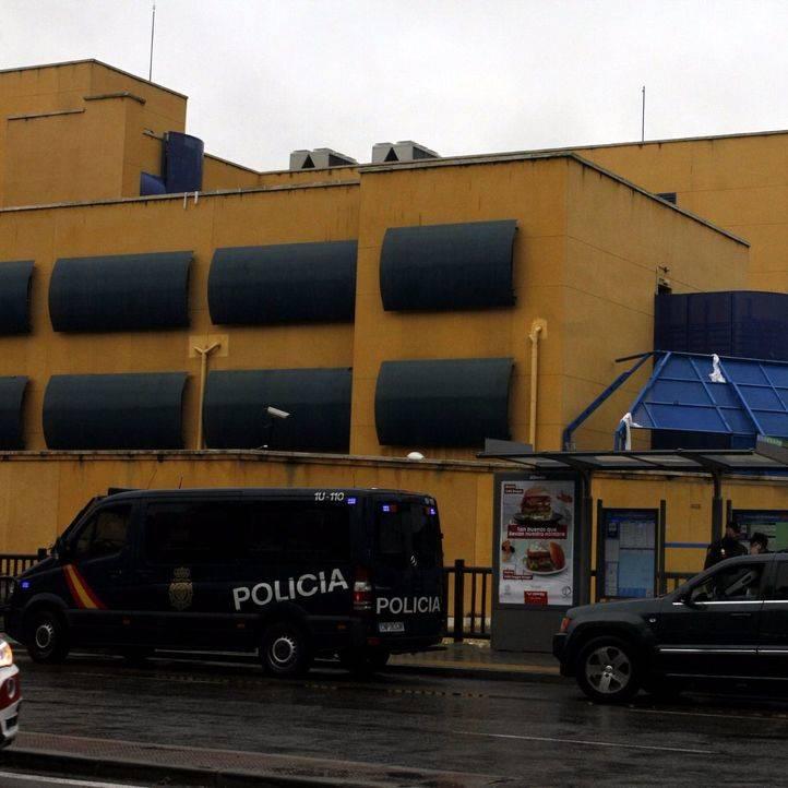 Dos internos del CIE de Aluche se fugan en la víspera de su deportación