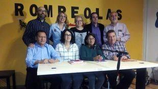 Mónica Mota, sentada en el centro, candidata en las primarias de Podemos