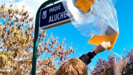 Descubrimiento de la placa del Parque Aluche