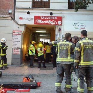 Un trabajador fallecido tras derrumbarse el forjado de un edificio en la calle Lagasca