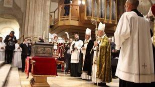 Trasladan los restos del cardenal Cisneros a la catedral de Alcalá