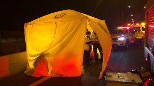 Fallece un motorista tras recibir el impacto trasero de un vehículo en la A-2