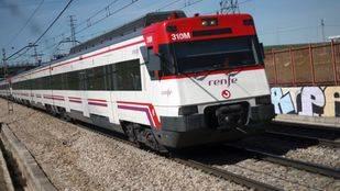 Renfe instalará desfibriladores en 37 estaciones de Cercanías