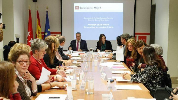 Primera reunión del Consejo de la Mujer