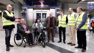El consejero de Transportes, Pedro Rollán, visita la estación de Sol.